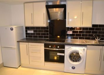 Thumbnail 3 bed flat to rent in St James Road, Stoneygate, Leicester