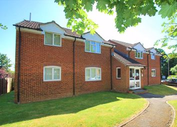 Hunting Gate Drive, Chessington KT9. Studio for sale