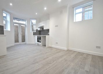 Thumbnail 2 bed flat for sale in Oakleigh Mews, Oakleigh Road North, London