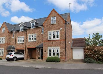4 bed town house for sale in Badgers Brook, Leighton Buzzard LU7