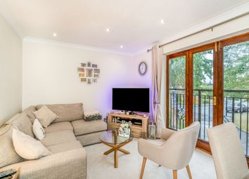 Thumbnail 1 bedroom flat to rent in Lindores Road, Holyport, Maidenhead