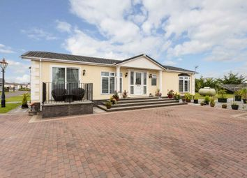 Thumbnail 2 bedroom mobile/park home for sale in The Downs, Barry, Carnoustie, Angus