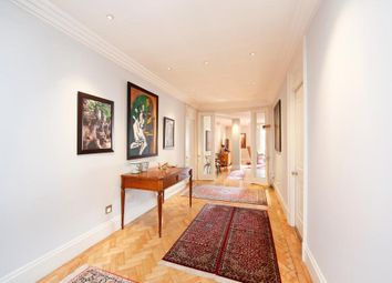 Thumbnail 4 bedroom flat for sale in Upper Grosvenor Street, London