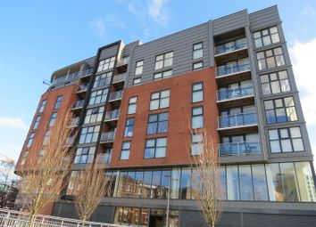 Thumbnail 3 bed flat to rent in Zenith, Chapel Street, Salford