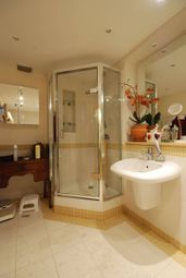 3 bed flat for sale in Kidderpore Avenue, Hampstead NW3