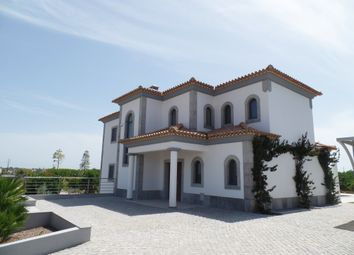 Thumbnail 5 bed villa for sale in Quarteira, Loulé, Portugal