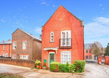 Thumbnail 2 bed property to rent in Milliners Court, Lattimore Road, St.Albans