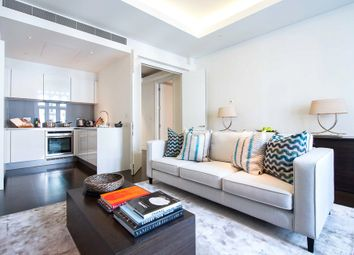 Thumbnail 1 bed flat to rent in Green Street, Mayfair, London