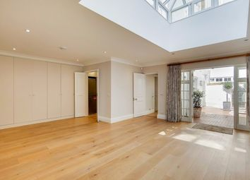 Thumbnail 1 bed flat to rent in 32 Cranley Gardens, London