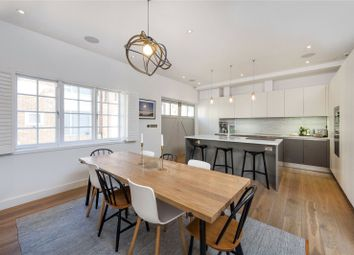 2 bed mews house for sale in Clarendon Mews, Hyde Park, London W2
