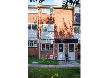 2 bed flat for sale in Maltings Close, Halesworth IP19