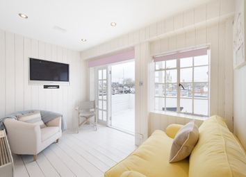 Thumbnail 1 bed flat to rent in Jubilee Place, London