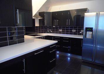 Thumbnail 2 bed flat to rent in Engadine Close, Croydon