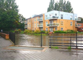 Thumbnail 2 bed flat for sale in Croxley Road, Nash Mills, Hemel Hempstead