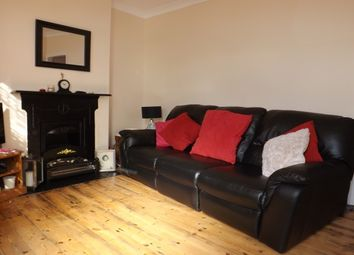 2 bed property to rent in Windmill Street, Strood, Rochester ME2