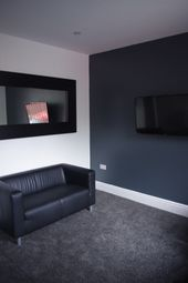 Thumbnail 3 bedroom shared accommodation to rent in Glossop Mount, Woodhouse
