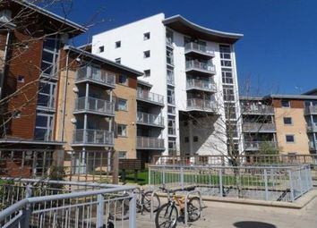 Thumbnail 2 bedroom flat for sale in Kelvin Gate, Bracknell, Berkshire