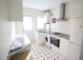 2 bed maisonette to rent in Beechwood Avenue, Greenford, Middlesex UB6