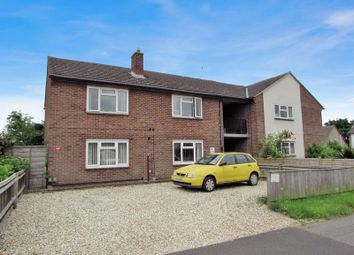 Thumbnail 2 bed flat for sale in Vincent Road, Thatcham