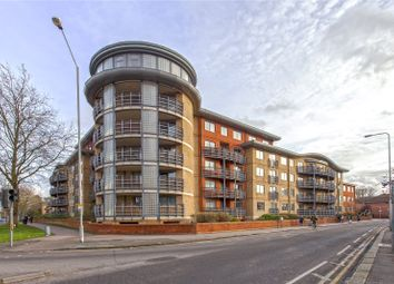 Thumbnail 2 bed flat to rent in Quadrant Court, Jubilee Square, Reading, Berkshire