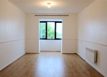 Thumbnail 1 bedroom flat to rent in Selkirk Drive, Erith, Kent