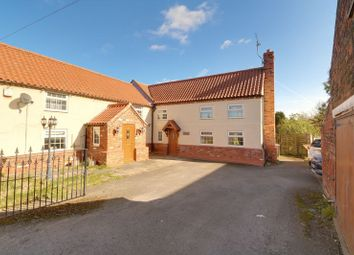 Thumbnail 4 bed cottage for sale in High Street, Belton, Doncaster