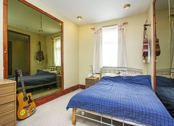 Thumbnail 2 bed flat for sale in Edinburgh Road, Plaistow, London