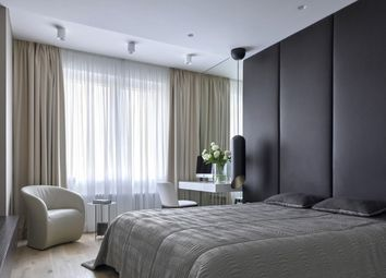 Thumbnail 2 bed flat for sale in Swan Street, Borough, London