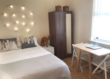 Room to rent in Blenheim Gardens, Willesden Green NW2