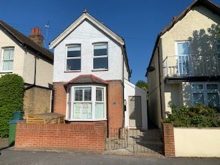 3 bed detached house to rent in Florence Road, Walton-On-Thames KT12