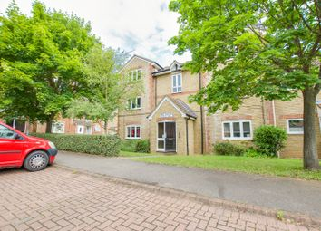 Thumbnail 2 bed flat for sale in Maplin Park, Slough