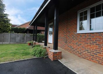 Thumbnail Room to rent in Bath Road, Calcot, Reading, Berks
