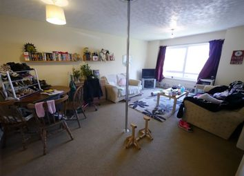 Thumbnail 2 bed flat to rent in Welton Court, Hyde Park, Leeds
