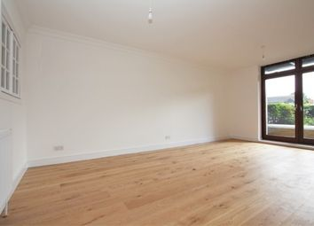 Thumbnail 1 bed flat to rent in Harlequin Court Star Place, City Quay, Wapping