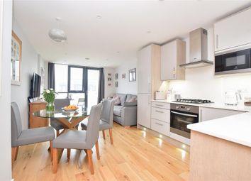 Cavalier Close, Wallington, Surrey SM6. 2 bed flat for sale