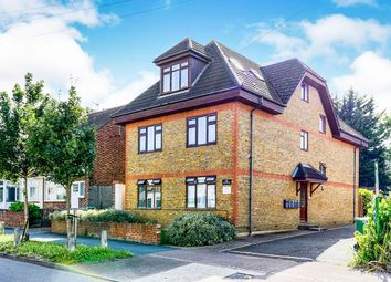 2 bed flat to rent in Red Lion Road, Tolworth, Surbiton KT6