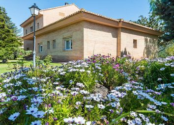 Thumbnail 7 bed town house for sale in Urbanización El Bosque, Ctra. De Godelleta, Km. 4, 1, 46370 Chiva, Valencia, Spain