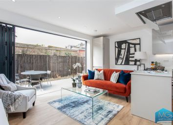 Truro Road, Wood Green, London N22. 2 bed end terrace house