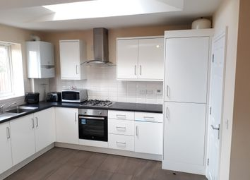 Thumbnail 4 bed shared accommodation to rent in Queen Isabels Avenue, Cheylesmore, Coventry