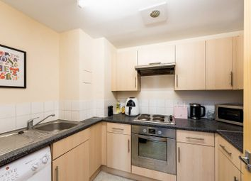Thumbnail 1 bedroom flat for sale in Hanover House, Vauxhall