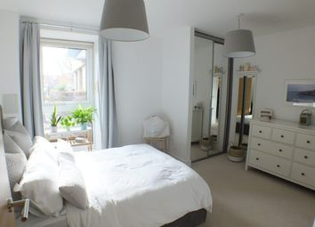 1 bed flat for sale in Hyde Lane, Wandsworth, Battersea SW11