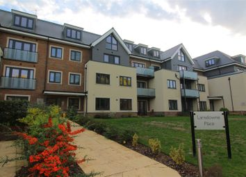 Thumbnail 1 bed flat to rent in Station Road, Taplow, Maidenhead
