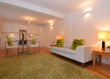 Thumbnail 2 bed flat to rent in Peach Street, Wokingham