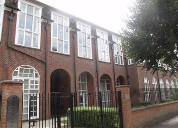 Thumbnail 2 bed flat to rent in Sweyne Avenue, Southend-On-Sea, Essex