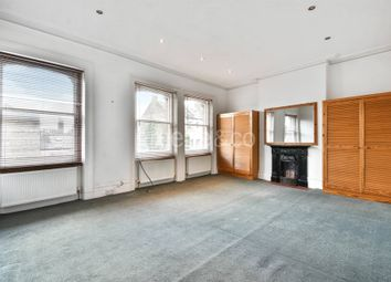 Thumbnail 3 bedroom flat to rent in Womersley Road, Crouch End