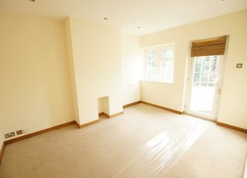 Thumbnail 3 bed flat to rent in Between Streets, Cobham