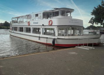 Towpath, Waterside Drive, Walton-On-Thames KT12. 1 bed houseboat for sale