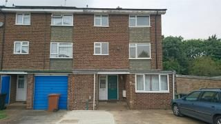Thumbnail 6 bed property to rent in Stockbreach Close, Hatfield