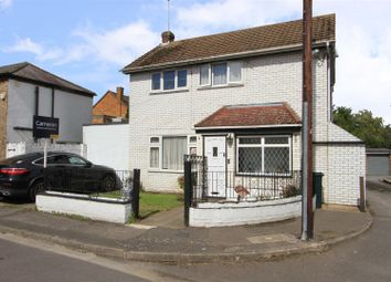 4 bed property for sale in Haven Close, Hayes UB4