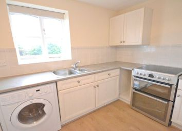 2 bed flat to rent in Coalmans Way, Burnham, Slough SL1